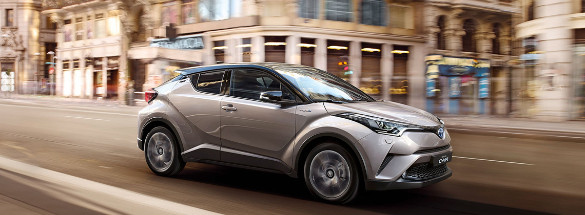 New car buyers continue to embrace Toyota Hybrid and petrol