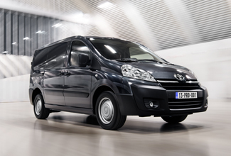 Toyota Proace, Black exterior, front side view