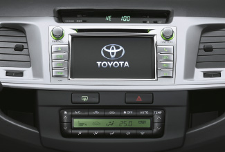 Hilux 4x4, Black interior, dashboard, control panel