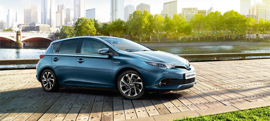 Toyota launches 2015 Auris